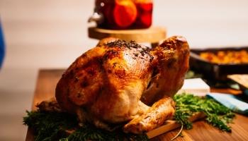 Hele gebakken kip uit de Airfryer – makkelijk, snel en overheerlijk